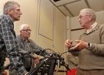 De duo fiets, Joop Overmaat geeft uitleg